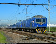 Net Photo: TFR 14106 Transnet Freight Rail Class at Cape Town, South Africa by Francois Mattheus South African Railways, Railroad Pictures, Railroad Photography, Electric Locomotive, Rolling Stock, Train Journey, Busses, Cape Town, Interior And Exterior