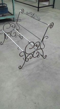 Steel furniture wrought iron chairs Ideas for 2019 Welded Furniture, Iron Furniture, Steel Furniture, Metal Tree Wall Art, Scrap Metal Art, Metal Artwork, Wrought Iron Chairs, Wrought Iron Decor, Blacksmith Projects