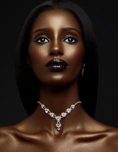Pin by takia gordon on makeup looks in 2019 dark skin beauty Beautiful Dark Skinned Women, My Black Is Beautiful, Dark Skin Makeup, Dark Skin Beauty, Dark Skin Girls, African Beauty, Brown Skin, Beauty Women, Makeup Looks