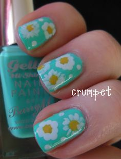 The Crumpet: Barry M Gelly Greenberry Nail Art