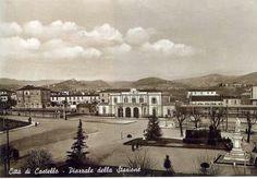 La stazione ferroviaria nella sua antica sede in Pzza Garibaldi.