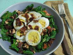 Spinach Salad With Hard-Boiled Eggs and Bacon Boiled Eggs Healthy, Boiled Egg Salad, Spinach Egg Salad, Bacon Salad, Cheese Salad, Spinach Recipes, Salad Recipes, Healthy Recipes