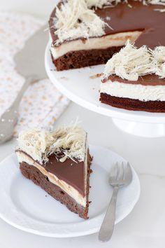 עוגת קרמבו שוקולד וחלבה כשרה לפסח