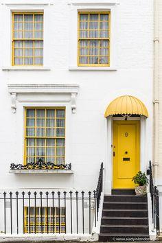 Yellow Front Doors, Front Door Colors, Front Door Decor, Beautiful Front Doors, Unique Doors, Old Doors, Windows And Doors, House Doors, Romantic Homes