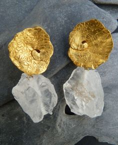crystal and gold earrings  (Univers Mininga)