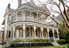 Victorian. I would so like to live in this house. For now, I'll just imagine how many stories this house could tell...