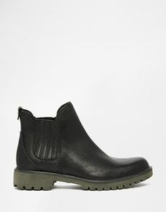 Timberland Lyonsdale Black Leather Flat Chelsea Boots