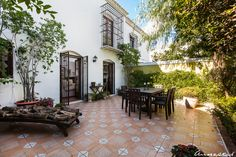 A semi-detached house in unique Pueblo Lopez, Fuengiorla. Located in the middle of town, yet tranquil within the urbanisation and with a very private patio. Houses in Urbanisation Pueblo Lopez is always a great opportunity if you have the right buyer - the price has just been slashed to € 290.000 to sell quickly!