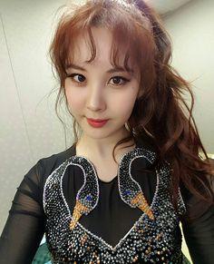 seojuhyun_s: 그리고...밤새면서ㅜㅜ잠도 못자고 와서 큰소리로 응원해준 우리 팬여러분..ㅜㅜㅜ너무너무너무너무 고마워용 여러분 덕분에 솔로이지만 혼자가 아닌느낌이었어요~ㅎㅎI love you all 푸욱 잘자고~~내일봐요우리~♡ #DontSayNo #Seohyun