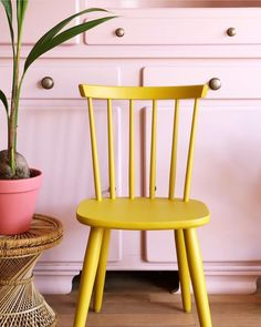 @enter_my_attic always has the best furniture. 💛 . . . #adinspiration #furniture #yellowchair #simplethingsmadebeautiful #haveaseat #paintedfurniture #thatpinktho #inspired #lovecolor #colorfullife #colorsplash