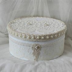 Your place to buy and sell all things handmade Wedding Memory Box, Wedding Keepsake Boxes, Wedding Gift Boxes, Wedding Keepsakes, Round Gift Boxes, Cardboard Box Crafts, Crochet Decoration, Shabby Chic Crafts, Hat Boxes