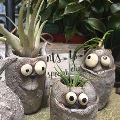 Clay art - ideas for your creativity. Concrete Crafts, Concrete Art, Concrete Projects, Garden Crafts, Garden Art, Mini Vasos, Diy Crafts To Do, House Plants Decor, Small Sculptures