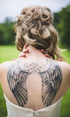 15 Angel Wing Tattoo Designs to Try. Guardian Angel Tattoo Meaning Chinese Tattoo Designs, Wing Tattoo Designs, Tattoo Designs For Women, Tattoos For Women, Sexy Tattoos, Body Art Tattoos, Tatoos, Dream Tattoos, Future Tattoos