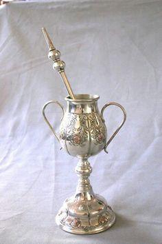 Mate de plata y oro repujado