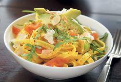 Laxpasta med citron, avokado och parmesan | Santa Maria