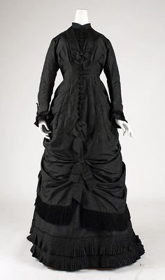 1874 American Dress at the Metropolitan Museum of Art, New York