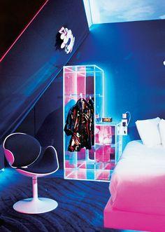 Home Decoration Inspiration Neon Aesthetic, Aesthetic Room Decor, Neon Bedroom, Cool Room Decor, Futuristic Interior, Retro Room, Neon Glow, Gamer Room, Retro Futurism