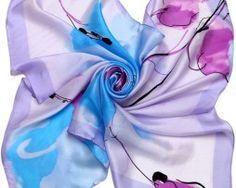 Luxusná hodvábna šatka s maľbou modrých kvetov