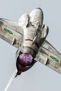 Saab inverted -- the massively powerful Volvo RM8 engine lets the Viggen do neckbreaking air acrobatics.