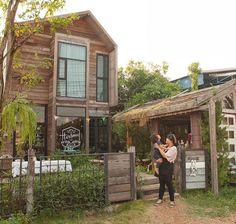 Cafe Interior Design, Cafe Design, House Design, Hut House, Cafe House, House In Nature, House In The Woods, Filipino House, Coffee Shop Design