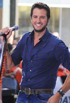 Luke Bryan<3 that smile though