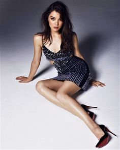 Check out the hottest pics of Hailee Steinfeld all gathered in one place. You want to see Steinfeld in all her glory and we've got you covered. Check out this epic collection of sexy images of H Hailee Steinfeld, Corpo Sexy, Sexy Legs And Heels, Beautiful Legs, Beautiful Women, Beautiful Celebrities, Fashion Advice, Sexy Women, Legs