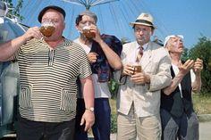 #пиво #пить #мужики Если не отпускать мужа пить пиво с мужиками, то он начнет пить шампанское с женщинами.