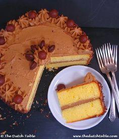 The Dutch Table: Mokkataart (Dutch Mocca Cake) Amish Recipes, Dutch Recipes, Cake Recipes, Dessert Recipes, Baking Recipes, Chocolate Coffee Beans, 9 Inch Cake Pan, Mocha Cake, Cupcake Cakes