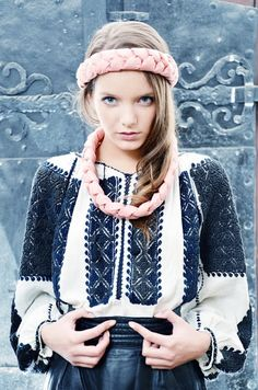 Contemporary attempts to revive the Romanian traditional costume: Folk Fashion, Ethnic Fashion, Womens Fashion, Trendy Fashion, Traditional Fashion, Traditional Dresses, Ethno Style, Folk Costume, Folk Embroidery
