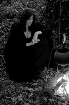 Gemma Gary Witchcraft rite Cauldron
