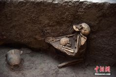 DNA Reveals That It Was Not The Mother Protecting This Child In The Asian Pompeii @DrKillgrove http://www.forbes.com/sites/kristinakillgrove/2015/08/11/who-was-protecting-the-child-from-asian-pompeii-not-its-mother-dna-shows/?ref=yfp …