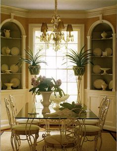 Zu Hause auf dem Land mit Jan Showers - The Glam Pad - Dining Room Texas Hill Country, Showers Interior, Corner China Cabinets, Corner Hutch, Dining Room Corner, Dallas, Dining Room Furniture, Dining Rooms, Dining Area