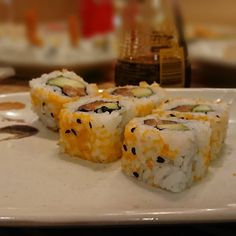 Hoy toca sushi #delimoments Sushi, Ethnic Recipes, Food, Meal, Eten, Meals, Sushi Rolls