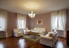 Apartment 304, Living room