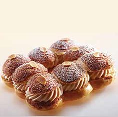 Valrhona Professional - Paris Brest Recipe - A creation from L'Ecole du Grand Chocolat Chocolate Hazelnut, Chocolate Lovers, Chocolate Recipes, Profiteroles, Eclairs, Small Desserts, No Bake Desserts, Hot Cocoa Recipe, Swiss Rolls