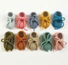 Millesimebaby Crochet Baby Boots, Knit B - Diy Crafts Knit Baby Shoes, Crochet Baby Boots, Knit Baby Booties, Crochet Shoes, Crochet Yarn, Knit Boots, Baby Cardigan Knitting Pattern Free, Crochet Blanket Patterns, Baby Knitting Patterns