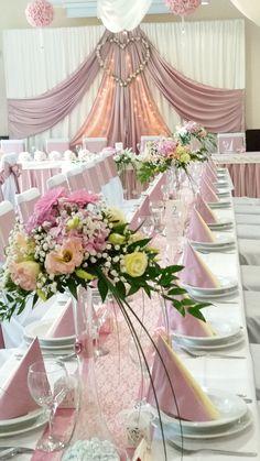 Helyszín: Kertvendéglő - Decoration World Wedding Car Deco, Rustic Wedding, Dream Wedding, Wedding Day, Wedding Table Decorations, Birthday Decorations, Quinceanera Themes, Pink And Gold Wedding, Bridal Table