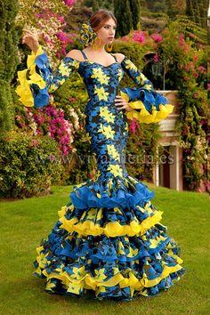 Costume Ethnique, Mardi Gras Costumes, Spanish Culture, Cinderella, Fashion Dresses, Disney Princess, Elegant, Casual, Andalucia