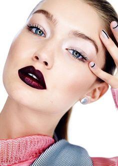 labbra scure e insieme luminose di Gigi Hadid
