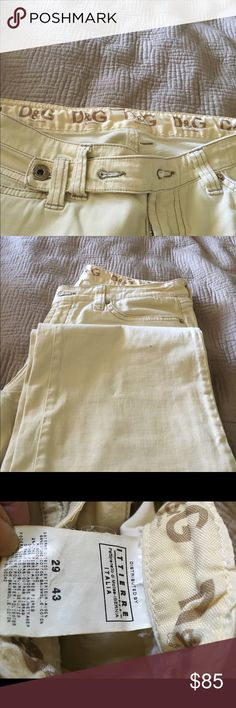Authentic pants D&G Dolce and Gabbana light yellow pants very interesting fabric 💕shown in the listings 💕made in Italy💕 Dolce & Gabbana Jeans
