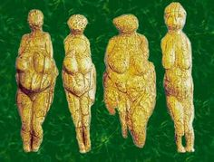 Four carved, prehistoric Goddess figurines found in Russia - lisby1