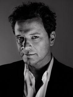 Colin Firth fue condecorado por la reina Isabel II de Inglaterra en el marco de la celebración de su cumpleaños en 2011. La laureada película The King's Speech no solo le ha dado una estrella en el Paseo de la Fama de Hollywood, un Globo de Oro, un premio BAFTA, un Premio del Sindicato de Actores y el Oscar al Mejor Actor de 2010, sino también otro título no menos honorífico.En el día del festejo por el cumpleaños de la reina, el actor fue nombrado comendador de la Orden del Imperio…