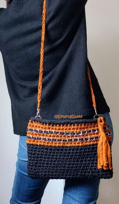 Discover thousands of images about African clutch/bag Crochet Clutch Bags, Crochet Pouch, Crochet Handbags, Crochet Purses, Crochet Yarn, Best Leather Wallet, Backpack Pattern, Love Crochet, Knitted Bags
