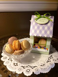 Macaroons thank you gift
