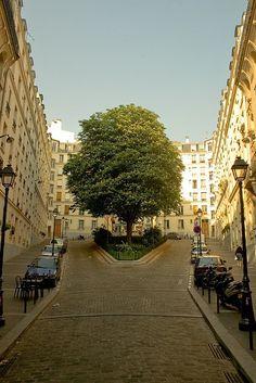 Lone Tree, Paris, France - photo via ysvoice Paris 3, Paris City, Paris Street, Most Beautiful Cities, Wonderful Places, Beautiful World, Paris Travel, France Travel, Places To Travel
