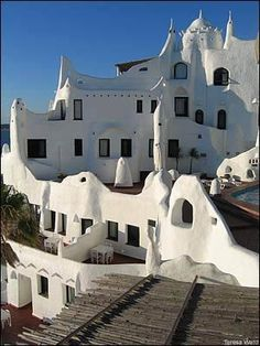 Casa Pueblo is an apartment block and art museum situated on a outcropping of rock 5 minutes from Punta del Este, Uruguay. I