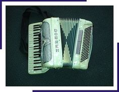Vintage DOBREN Piano Accordion. Made in Italy - http://musical-instruments.goshoppins.com/accordion-concertina/vintage-dobren-piano-accordion-made-in-italy/
