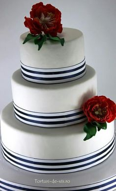 The roses add the perfect touch of elegance to the cake