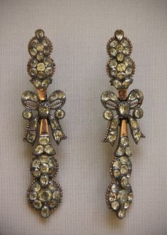 Portugues chrysoberyl jewellery ( late 18 th century) - British Museum