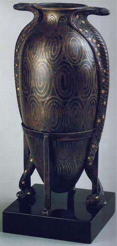 Jean Dunand - Vase Amphore 'Cobras' - Piètement en Fer Forgé